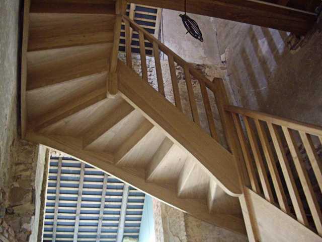 Escalier 2 quart tournant château