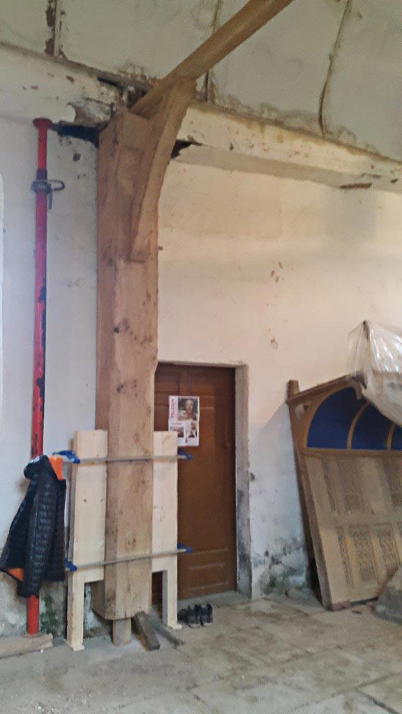 Restauration de poutres en chêne - Chapelle de St-Malo - Orne